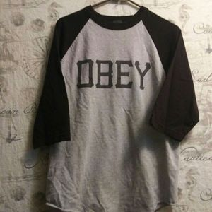 Obey 3/4 sleeve gray/black tee size large